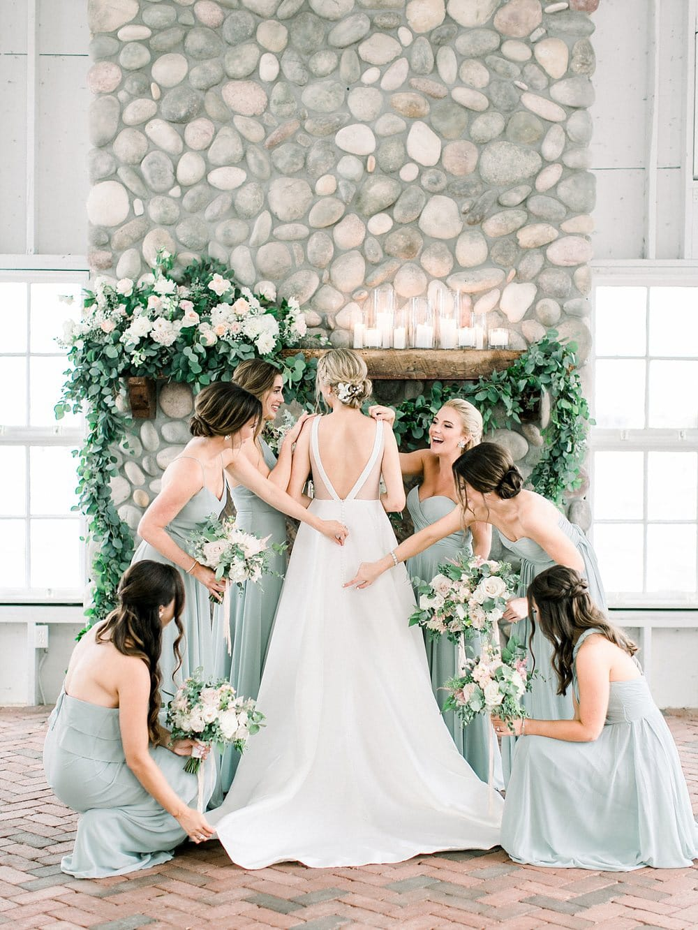 10 Fun Things to Do on Your Wedding Morning with Your Bridesmaids | Photography: Jessa Schifilitti