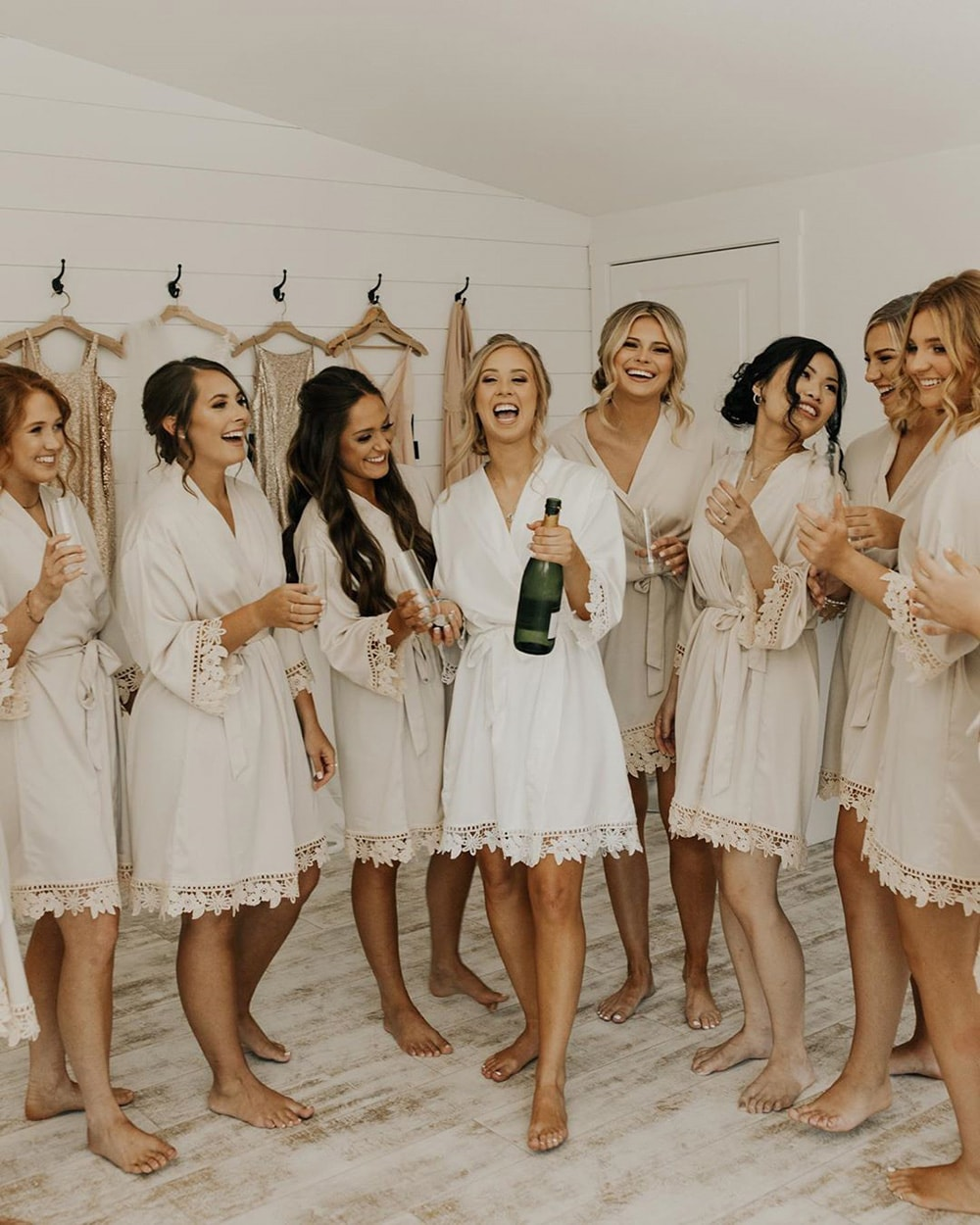 10 Fun Things to Do on Your Wedding Morning with Your Bridesmaids | Photography: Katie Carlson Photography