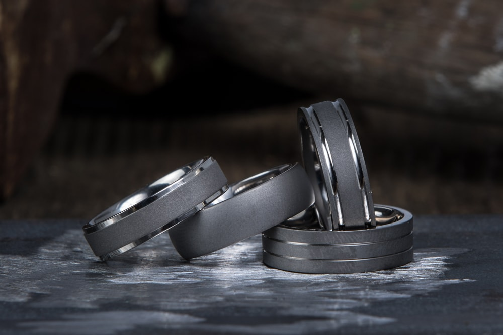 5 Modern Alternatives to Traditional Men's Wedding Rings with Mens Rings Online