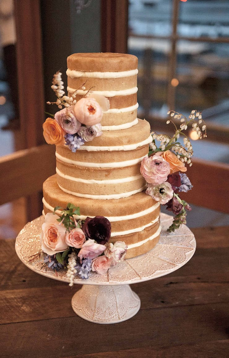 24 creative wedding cakes that taste as good as they look the creative wedding cakes loveher photography junglespirit Image collections
