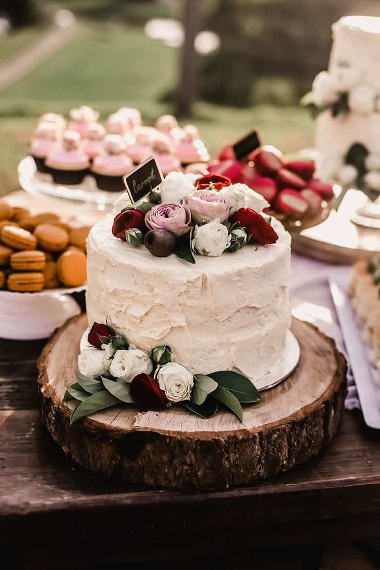 Amazing-Wedding-Cakes-Rustic-Buttercream-Pink-Red-Flowers