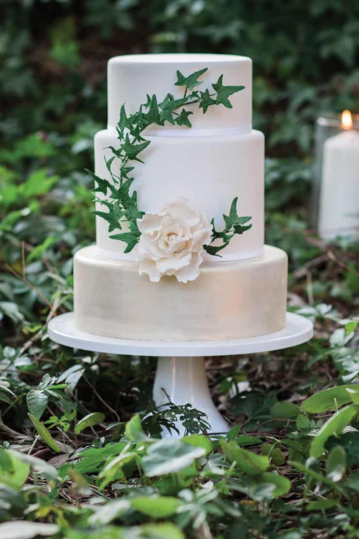 Amazing wedding cakes sugar flower ivy the wedding playbook amazing wedding cakes sugar flower ivy junglespirit Images