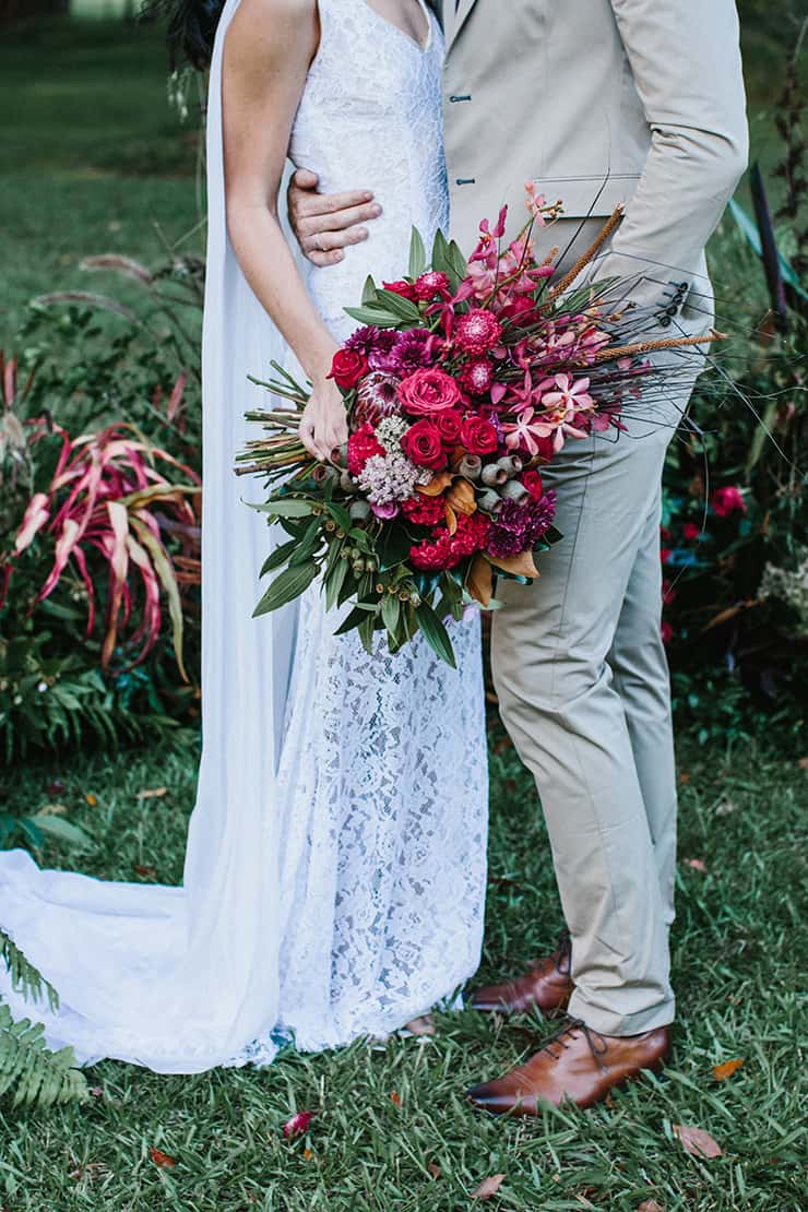 Bohemian berry wedding bouquet | Camilla Kirk Photography