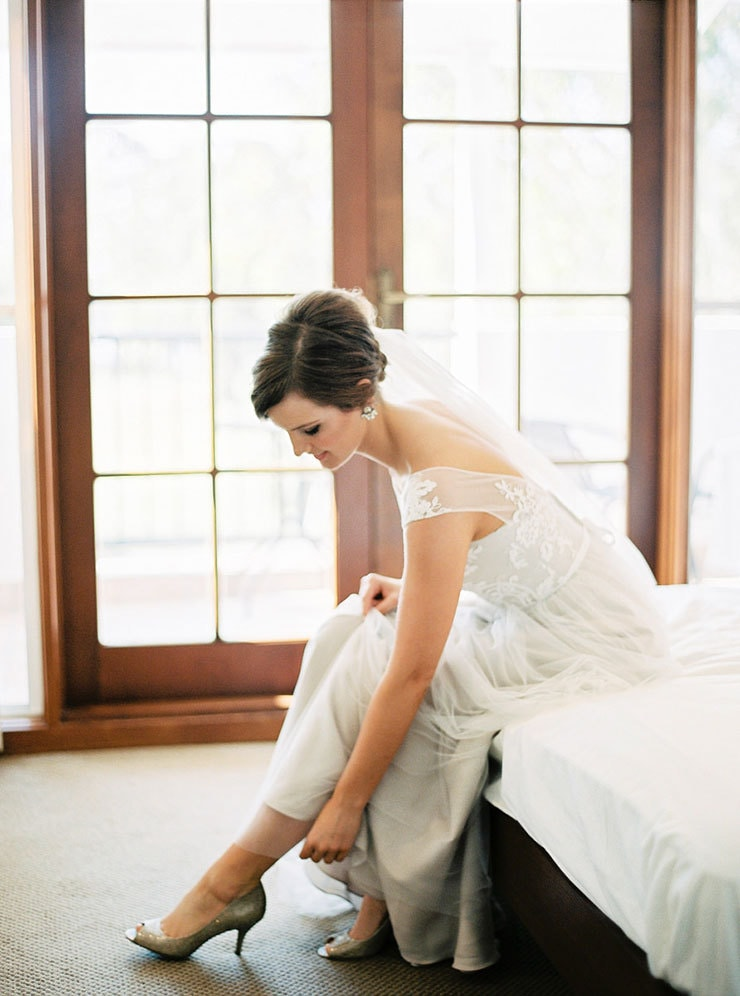 Bright-Waterfront-Cocktail-Wedding-Bride-Getting-Ready
