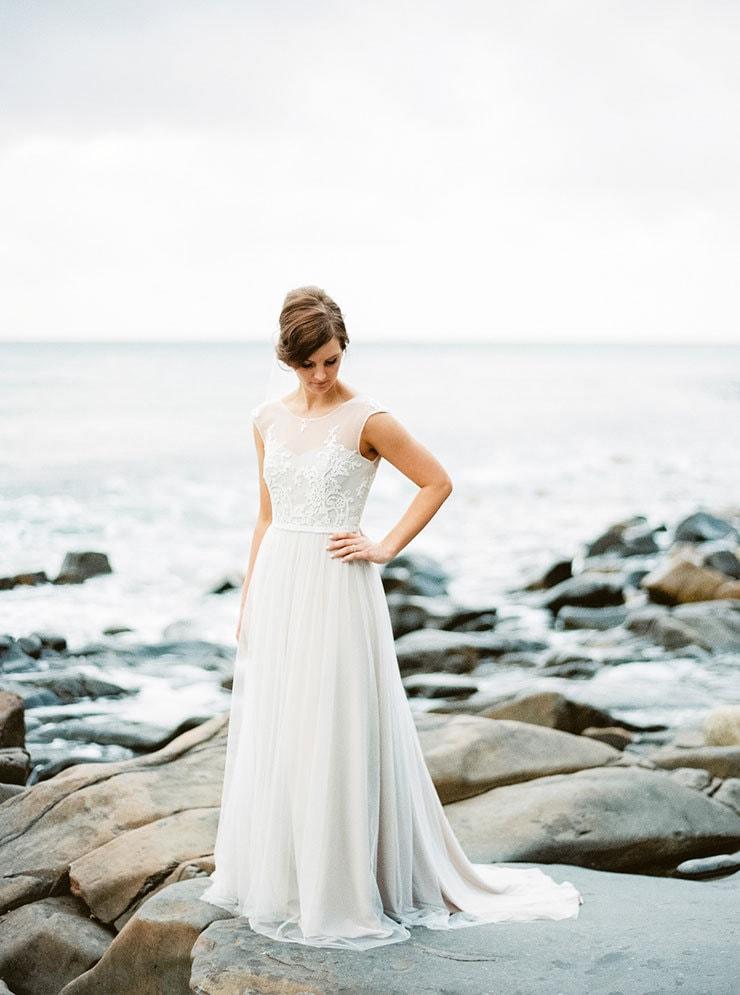 Bright-Waterfront-Cocktail-Wedding-Bride