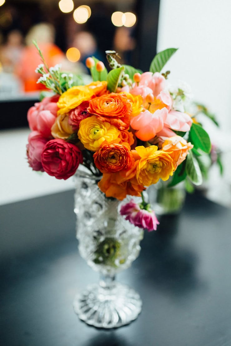 Bright-Waterfront-Cocktail-Wedding-Reception-Flowers