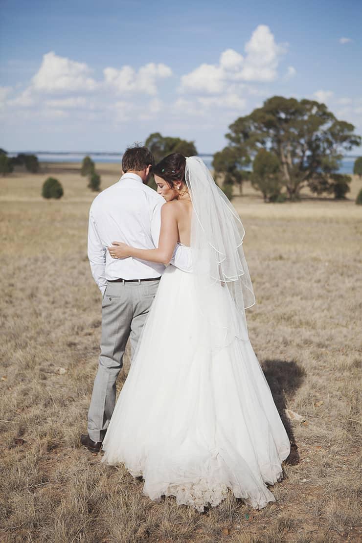 Classic-Country-Romance-Wedding-Bride-Groom-Portrait