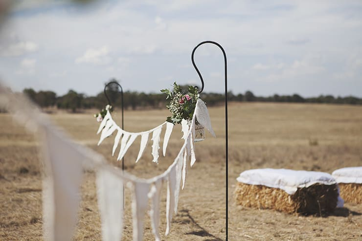 Classic-Country-Romance-Wedding-Ceremony-Decor