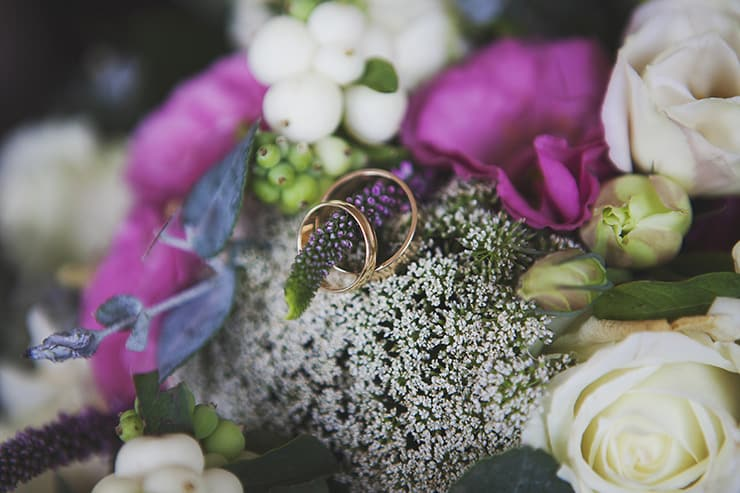 Classic-Country-Romance-Wedding-Rings