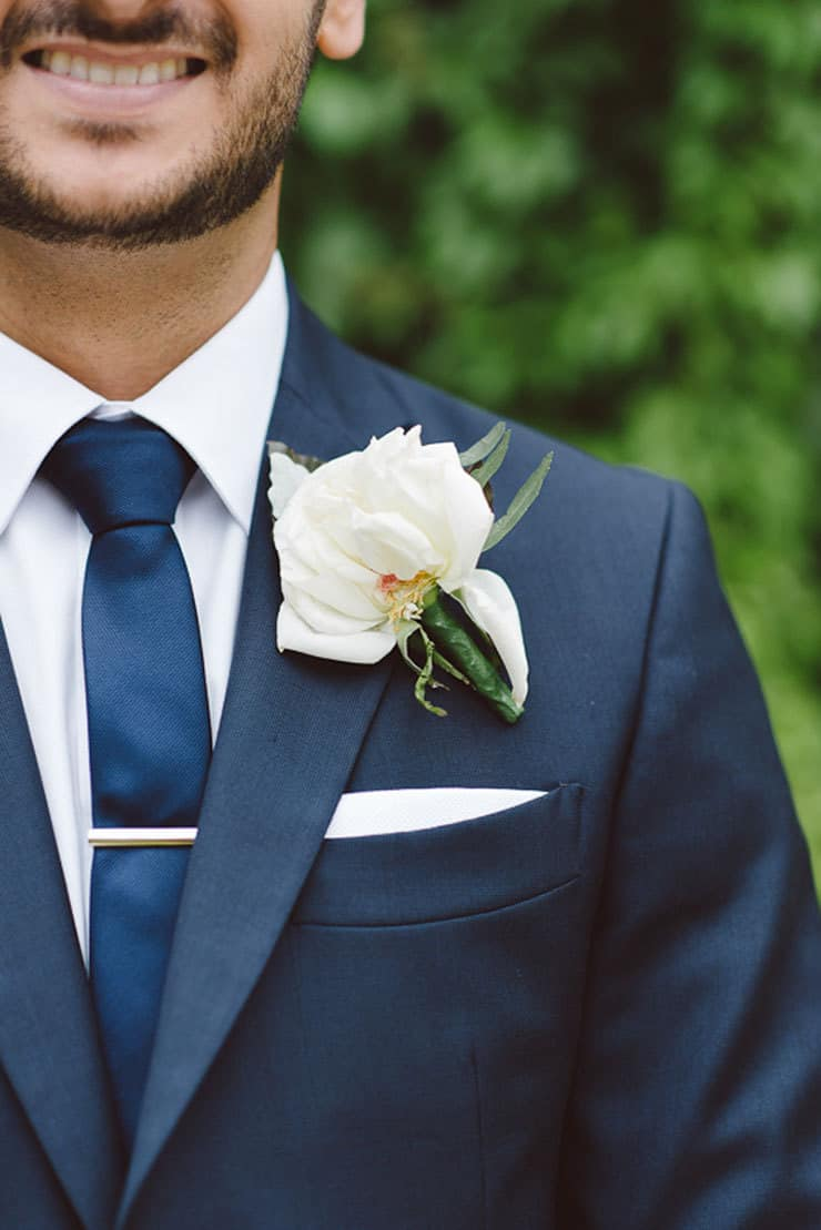 Classic-Estate-Wedding-Navy-Suit-Groom-White-Boutonniere