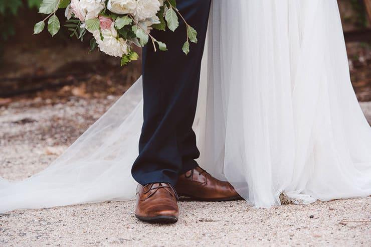 Classic-Estate-Wedding-Pink-White-Bride-Groom-Portrait-Shoes