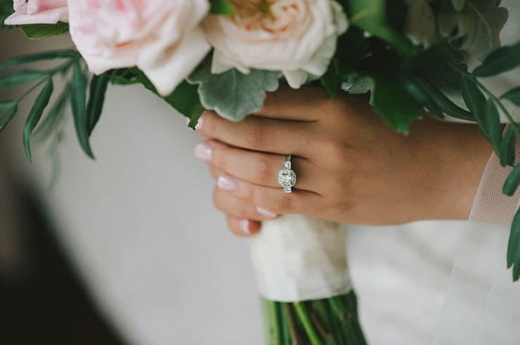 Classic-Estate-Wedding-Pink-White-Bride-Ring-Bouquet