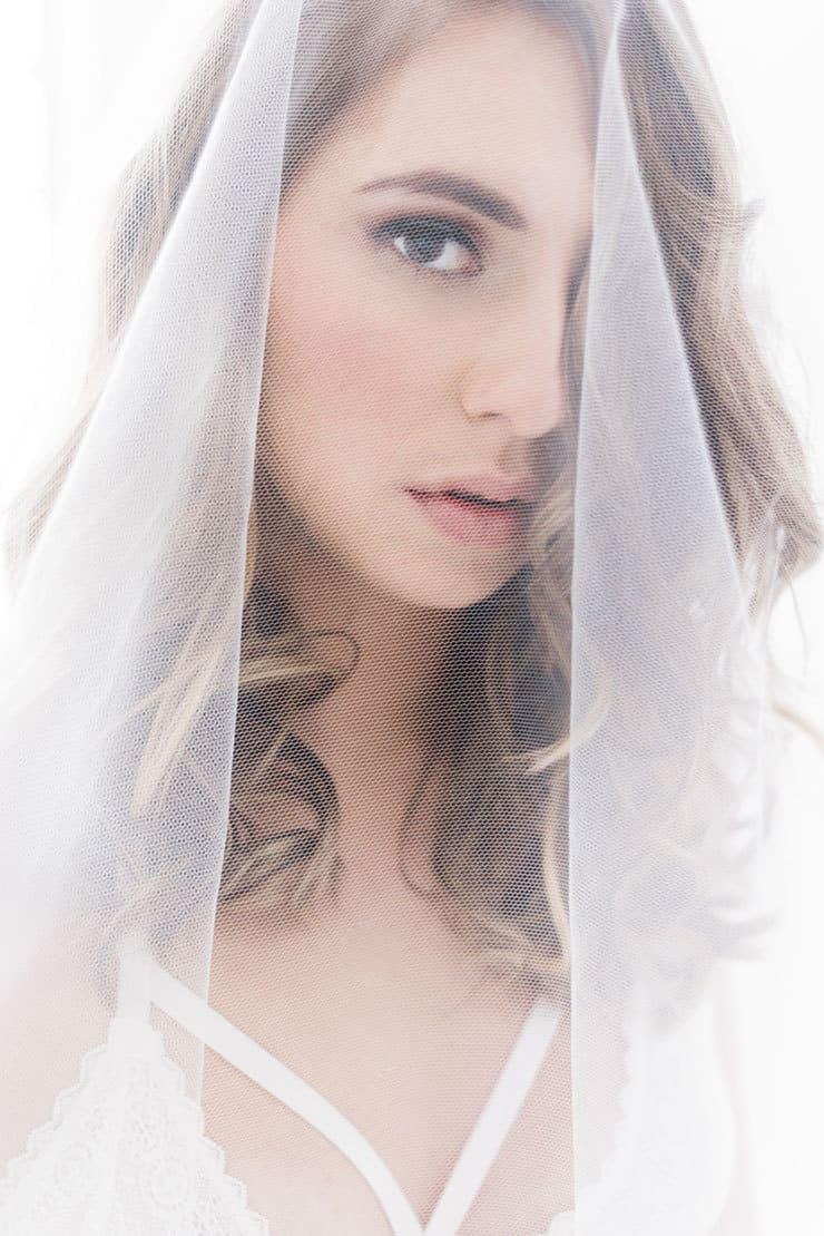 Elegant-Bridal-Boudoir-Inspiration-Veil