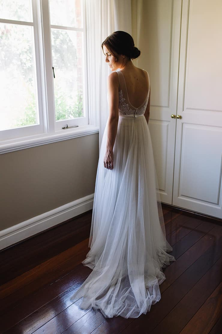Elegant-Cocktail-Style-Wedding-Bride-Dress