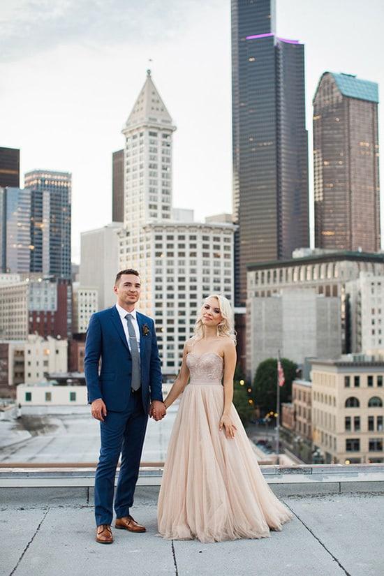 Elegant Navy and Champagne Wedding Inspiration - The Wedding Playbook
