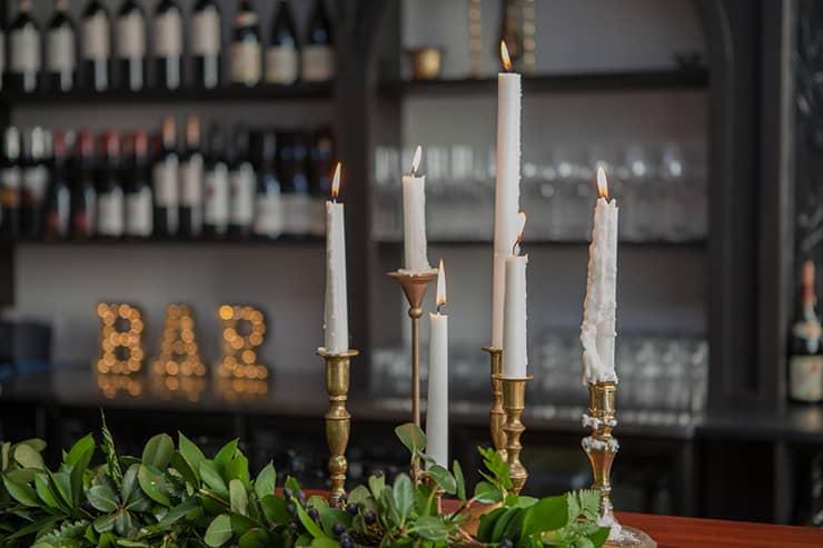 Glamorous-1920s-Wedding-Inspiration-Bar-Candles