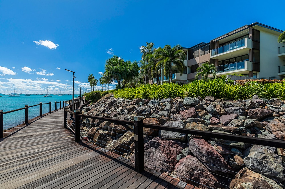 Honeymoon in The Whitsundays | Airlie Beach Accommodation | Mirage Whitsundays Boardwalk