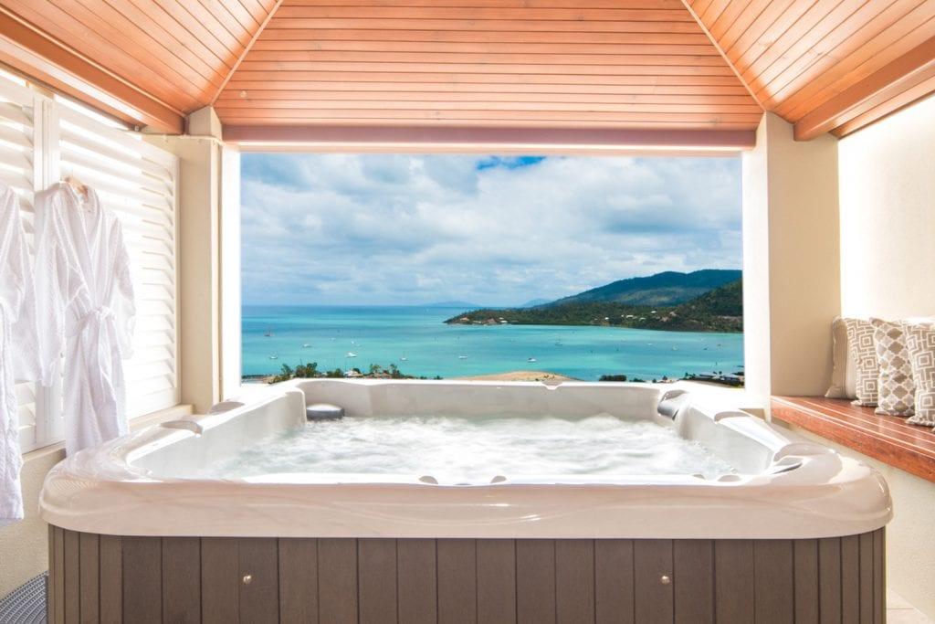 Honeymoon in The Whitsundays | Airlie Beach Accommodation, Restaurants & Experiences