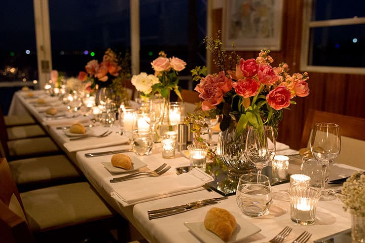 Reception table setting atmosphere