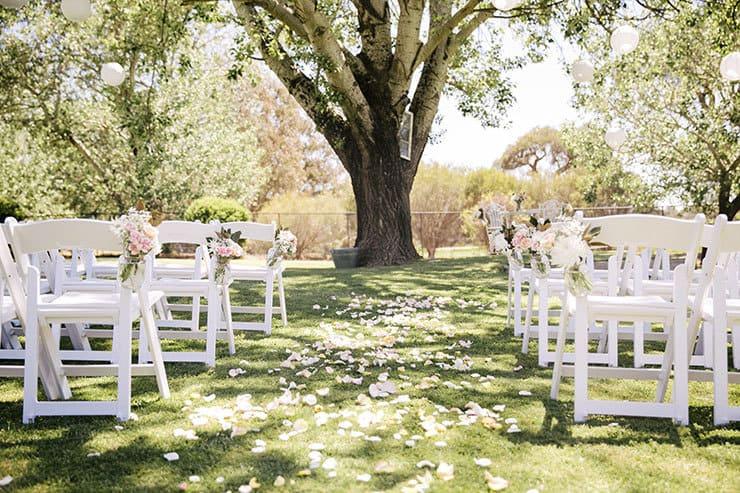 Ivory-&-Pink-Farm-Wedding03