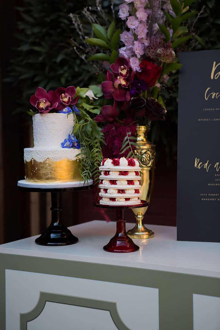 Jewel toned wedding cake display | Lola Images