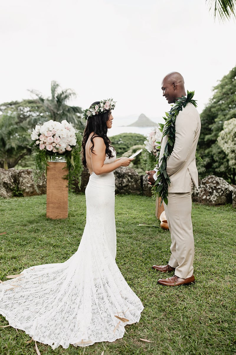 Modern Alternatives to Traditional Wedding Vows | Photography: Jayleigh Flood