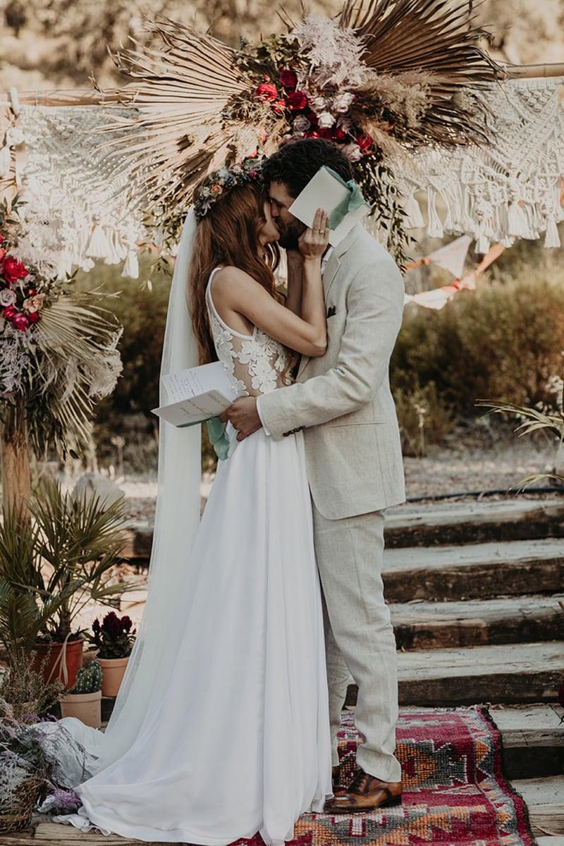 Modern Alternatives to Traditional Wedding Vows | Photography: Joy Zamora