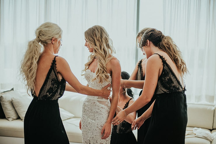 Modern-Black-White-Urban-Wedding-Getting-Ready-Bride-Bridesmaids