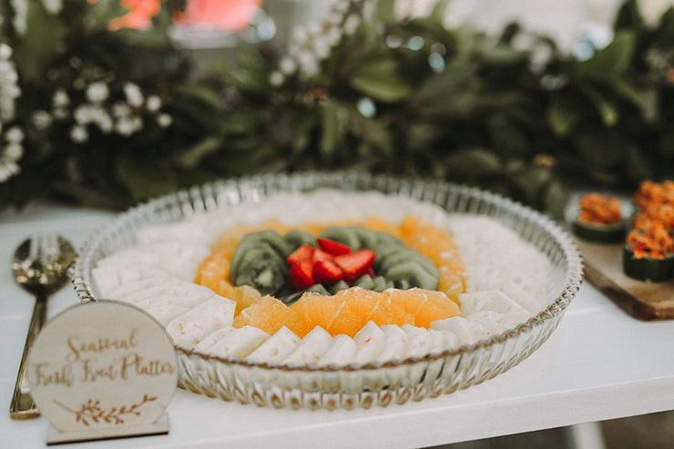 Modern Greenery Wedding Inspiration   Twig + Fawn Photography