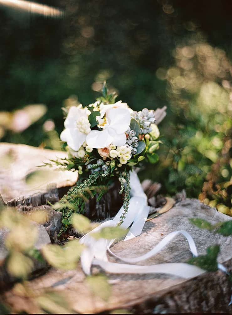 Natural-Bohemian-Wedding-Inspiration-White-Orchid-Bride-Bouquet