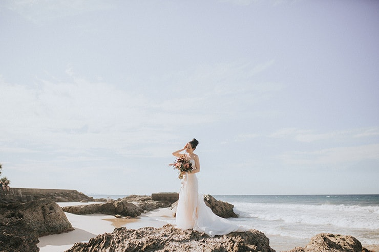 A Relaxed Post-Wedding Shoot on the Beach | Twig + Fawn Photography