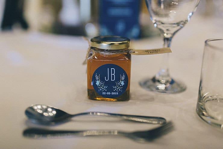 Personalised honey bonbonniere favors