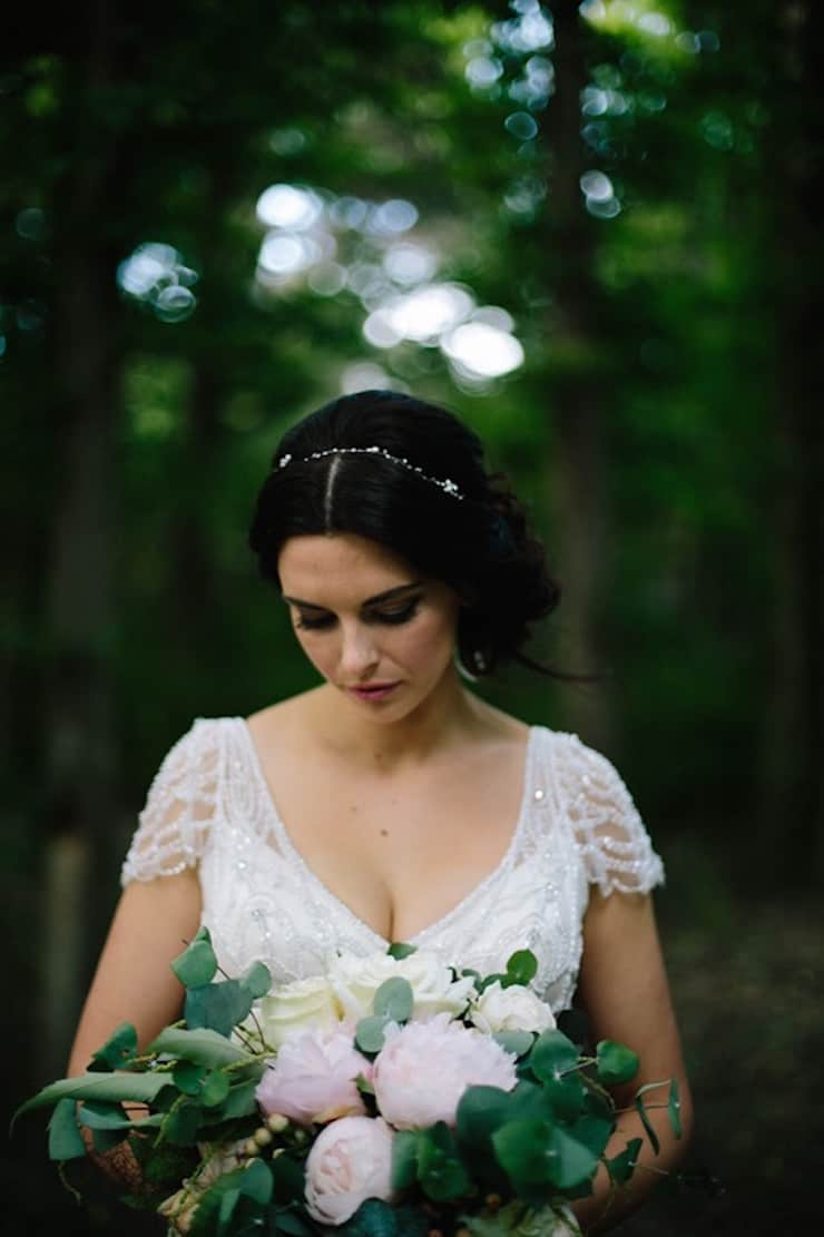 Rustic-Meets-Gatsby-Wedding-Bride-Hair-Bouquet