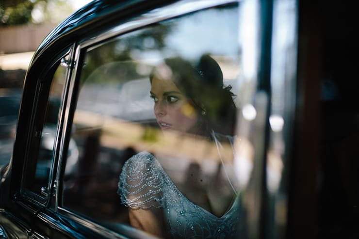Rustic-Meets-Gatsby-Wedding-Car-Arrival