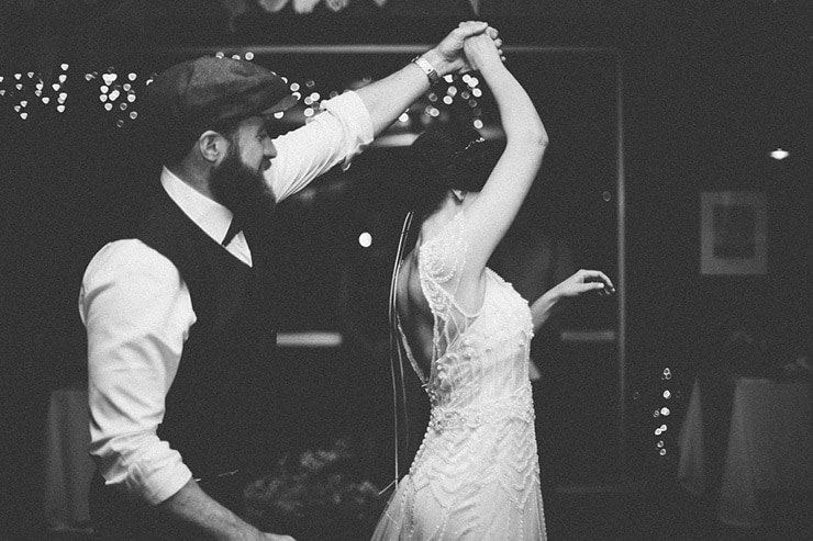 Rustic-Meets-Gatsby-Wedding-First-Dance