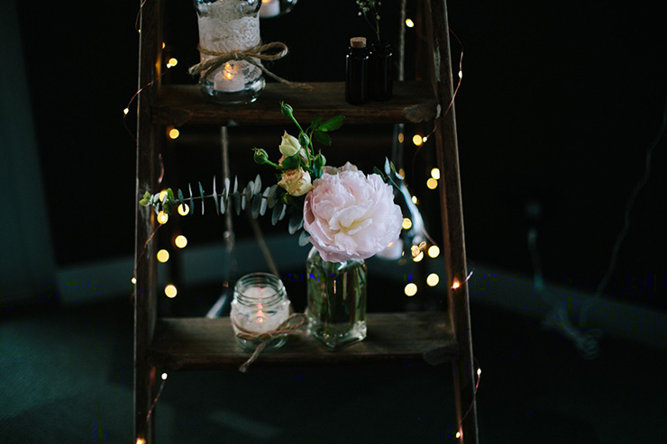 Rustic-Meets-Gatsby-Wedding-Reception-Decor-3