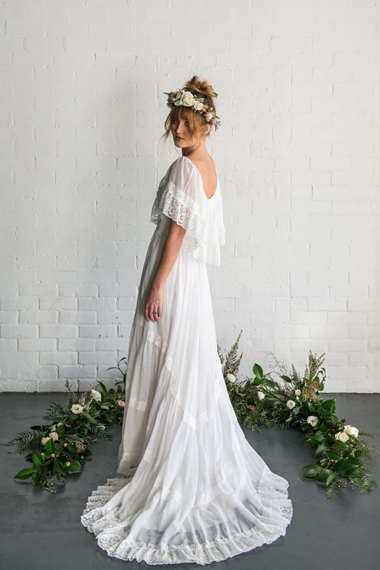 Insider tips on shopping etsy for your wedding for Bohemian wedding dress shops