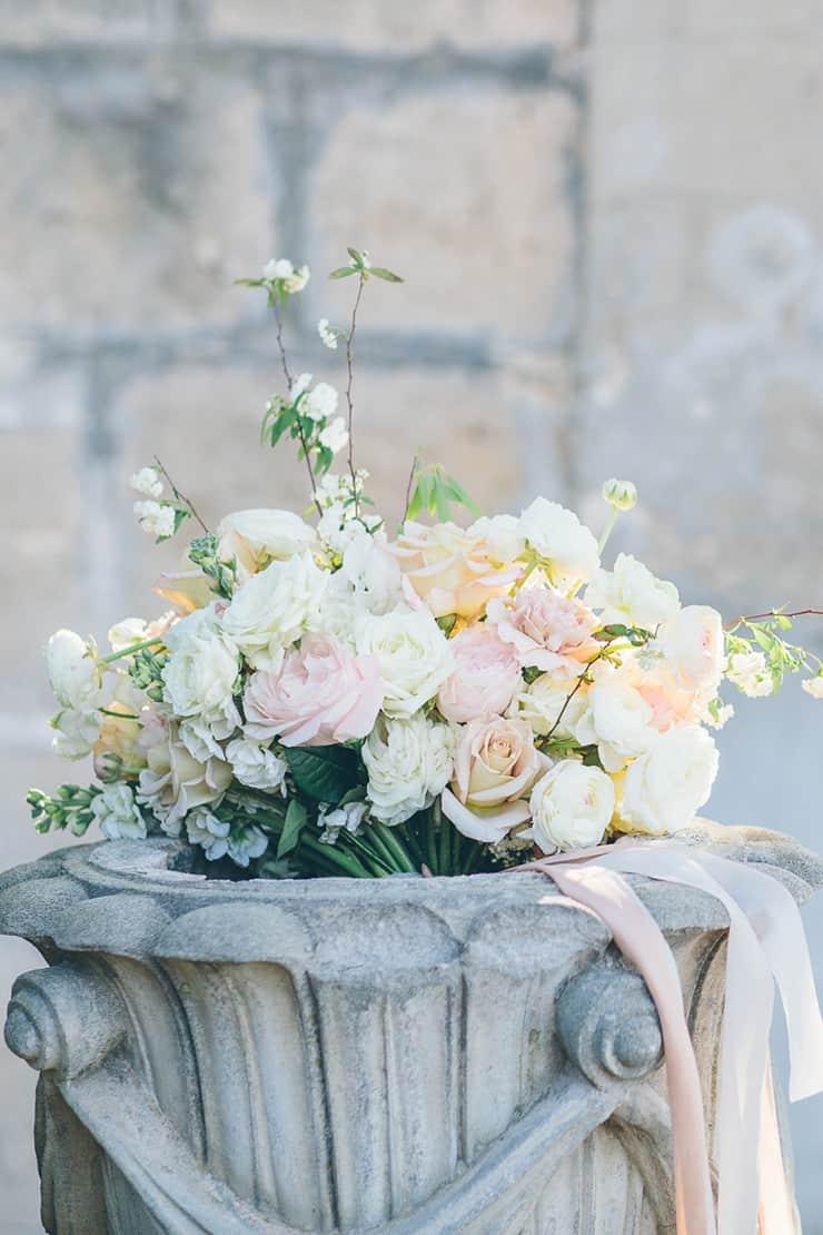 Summer-Dreaming-Wedding-Inspiration-Boho-Bride-Bouquet