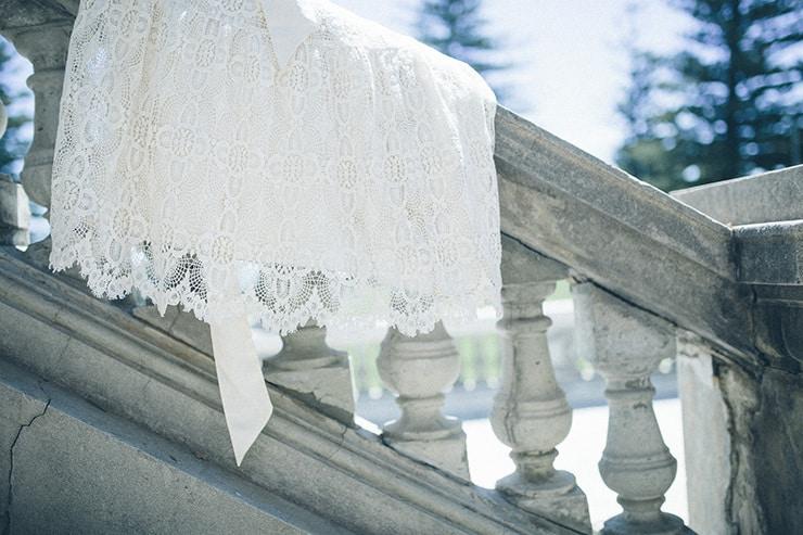 Summer-Dreaming-Wedding-Inspiration-Boho-Bride-Dress-2