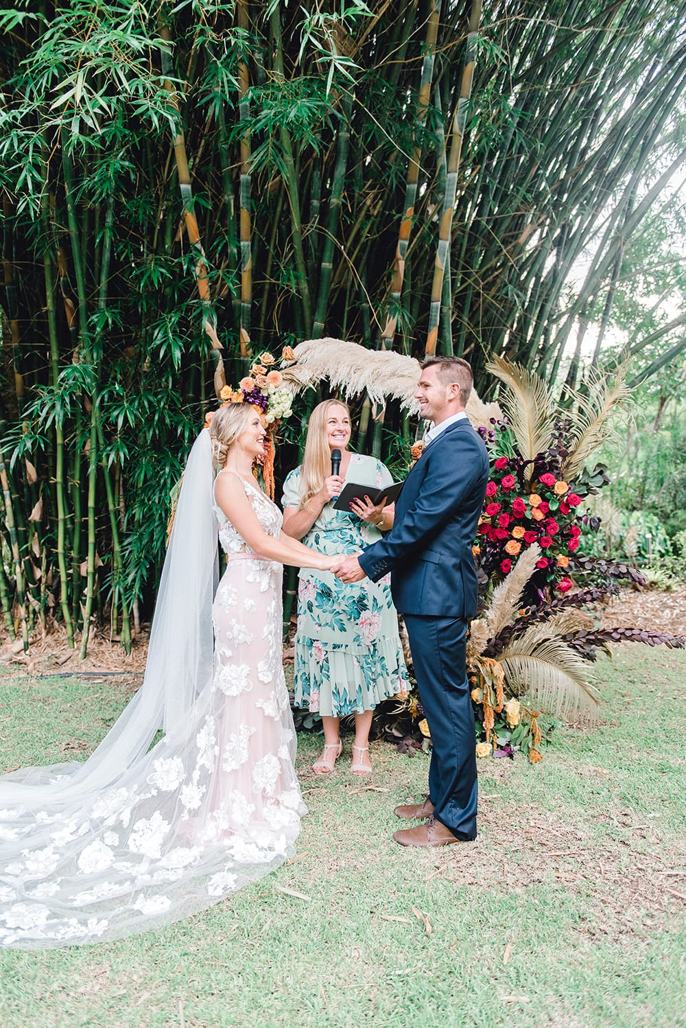 Violet Sunset Wedding Inspiration | Photography: Joy Philippe Photography
