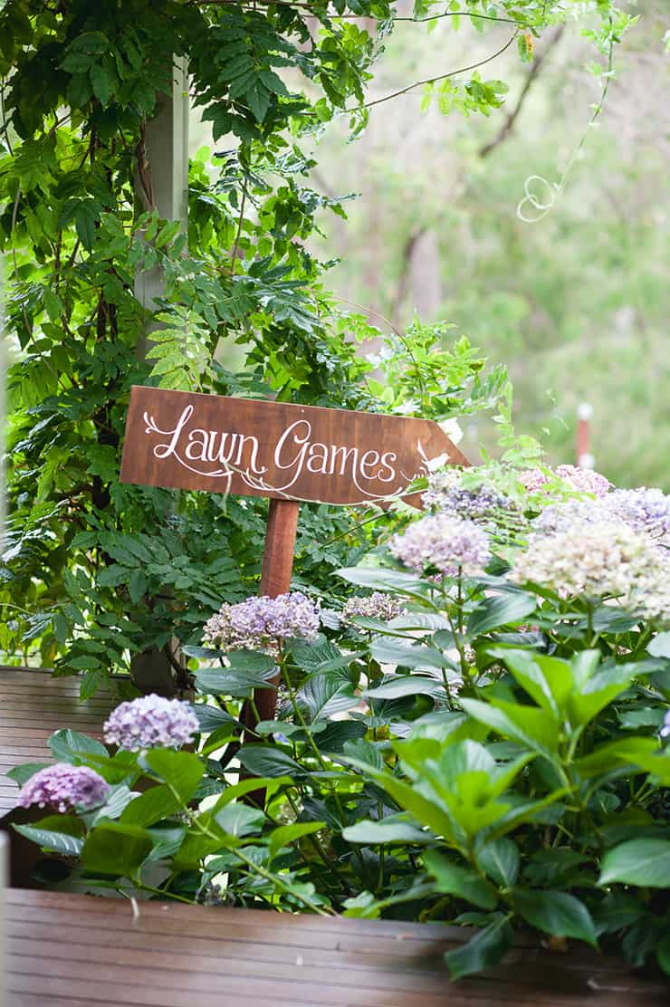 Watercolour-Garden-Wedding-Inspiration-Lawn-Games-Sign