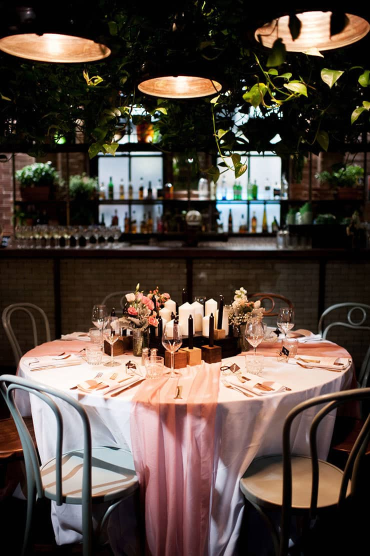 Wedding-Reception-Ideas-Wow-Your-Guests-DIY-Blush-Black-Gold-Centrepiece