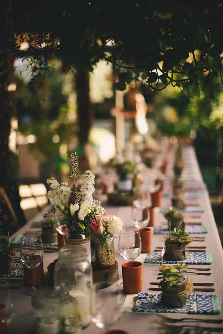 Wedding-Reception-Ideas-Wow-Your-Guests-Rustic-Restaurant-Centrepiece