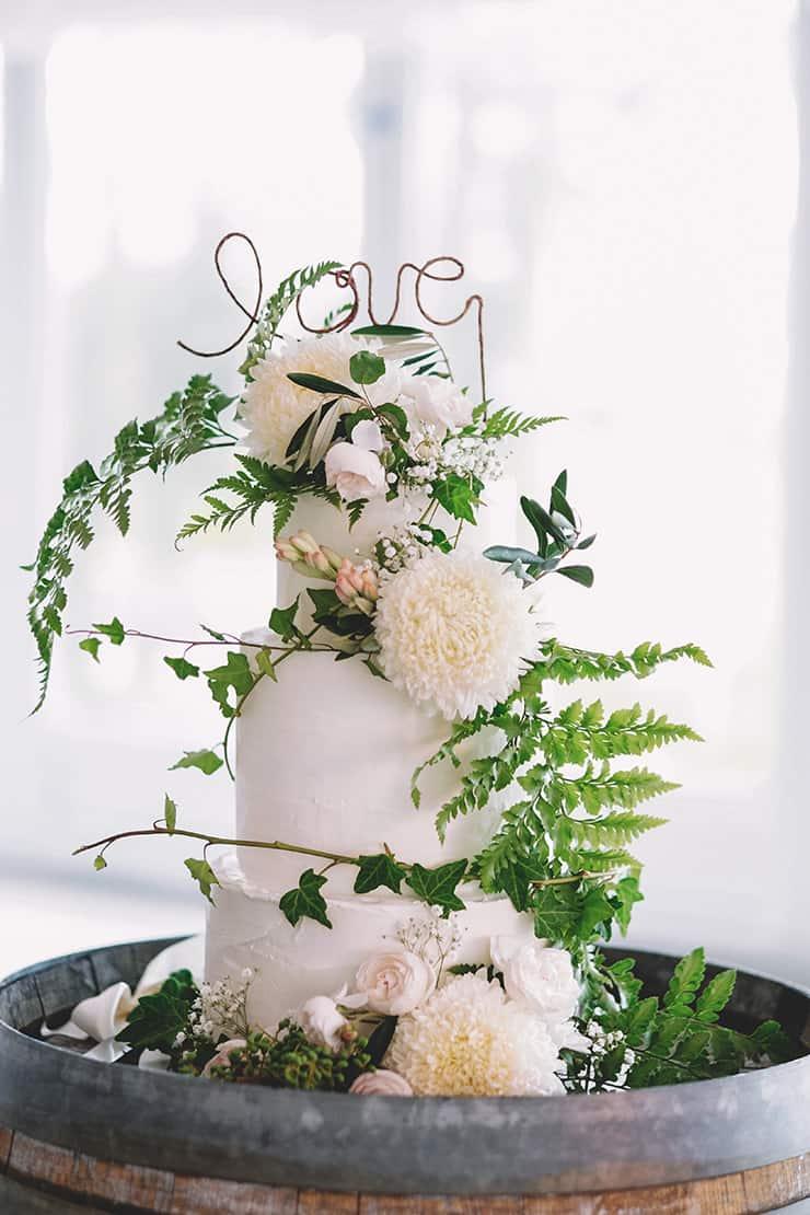 Creative Wedding Cakes   Popcorn Photography