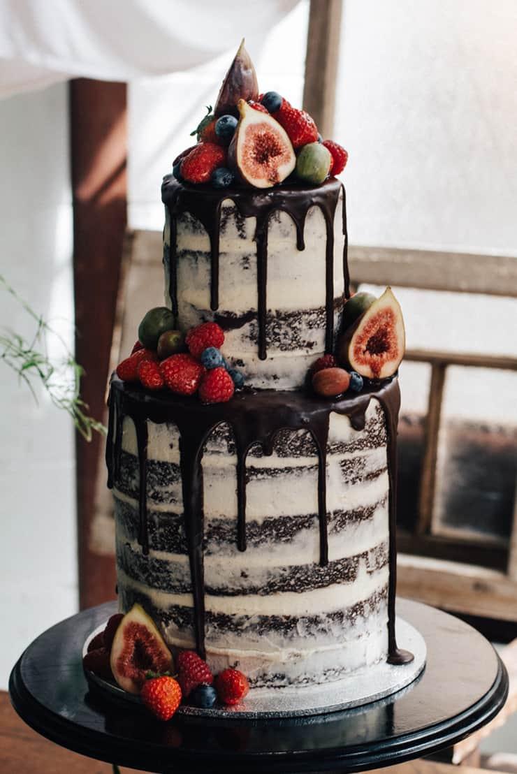 Creative Wedding Cakes   Peppermint Photography