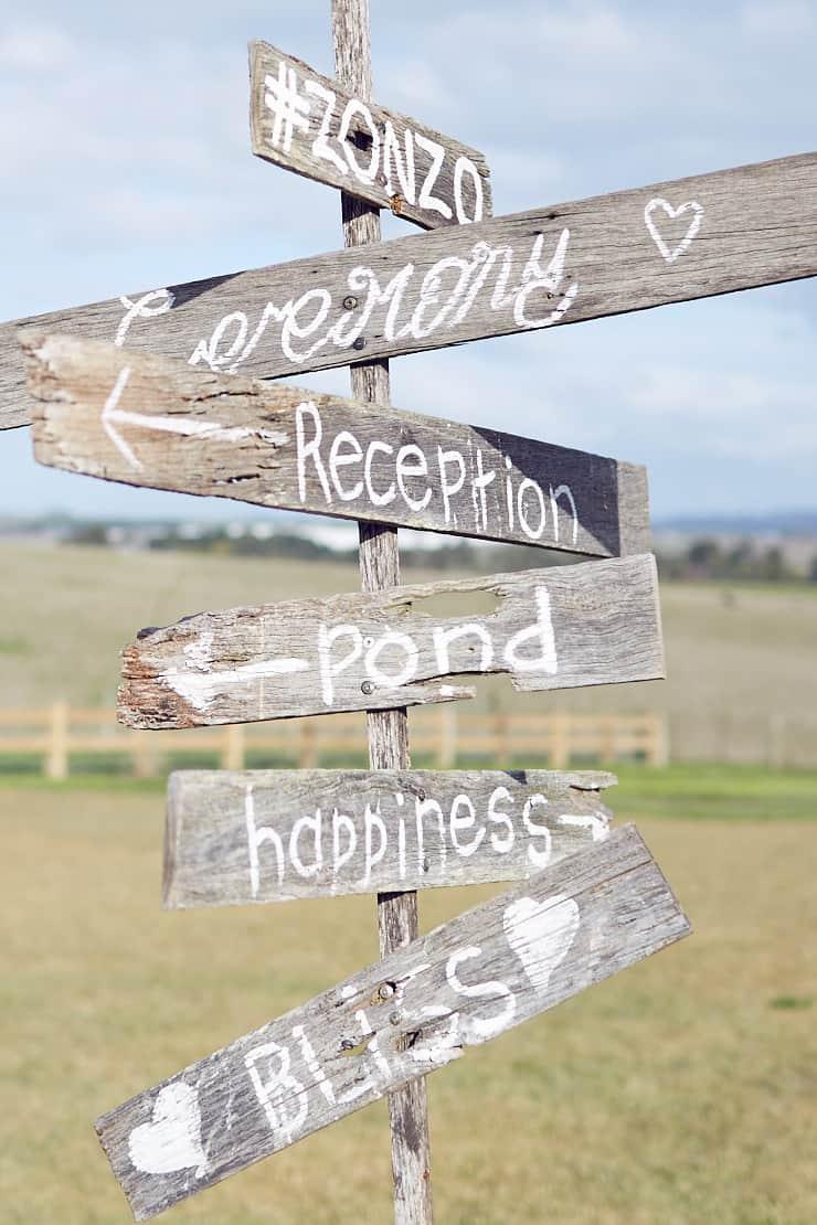 Winter-Barn-Wedding-Sign